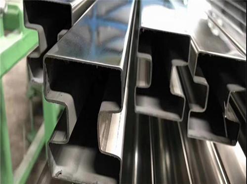 廠家大量現貨供應304不銹鋼異型管